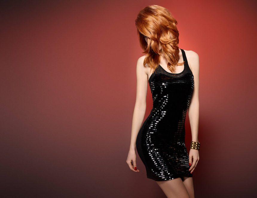 Szeroka czy przylegająca? Podpowiadamy sukienkę na imprezę!